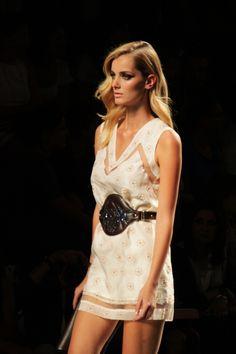 #fashion-ivabellini A TRENDY LIFE: LOS VESTIDOS DE PALACIO...