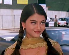 Actress Aishwarya Rai, Bollywood Actress, Beautiful Women, Crown, Actresses, Lady, Queen, Fashion, Female Actresses