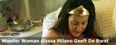 Wonder Woman Alyssa Milano Geeft De Borst