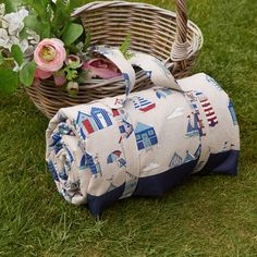 Waterproof backed picnic blanket in beach hut print cotton Family Picnic, Cold Temperature, Antique Roses, Make And Sell, Dog Love, Printed Cotton, Annie, Picnic Blanket, Quilts