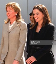 jordans-queen-rania-right-and-queen-noor-wife-of-the-late-king-chat-picture-id736531 891×1024 pixels