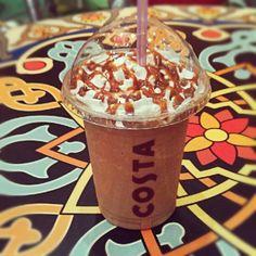 Caramel cooler #COSTA Coffee Cafe, Coffee Shops, Coffee Gallery, Costa Coffee, Hot Chocolate, Starbucks, Chains, Caramel, Ice Cream