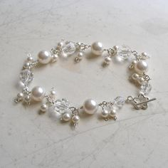 White pearls and crystals bracelet