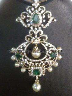 Jewellery Designs: Diamond Pendant by Praveena Tipirneni Gold Pendent, Diamond Pendant, Pearl Diamond, Diamond Tops, Diamond Brooch, Emerald Jewelry, Diamond Jewelry, Gold Jewelry, Gold Earrings