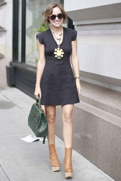 New York Fashion Week Street Style: Kelly Framel  Photo: Greg Kessler