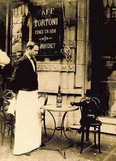 El poder de la aristocrácia -en el cafe tortoni (Buenos Aires)-