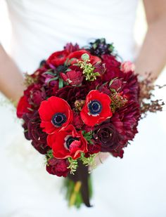 pretty deep red bouquet   By Brown Paper Design  Photography by Jennifer Rau