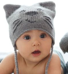 Knitting Patterns for Baby Cat hat pattern for baby with cat ears and face, and plaited ties… Baby Hats Knitting, Knitting For Kids, Knitting Projects, Knitted Hats, Free Knitting, Cute Baby Boy Names, Cute Baby Cats, Names Girl, Baby Kitty