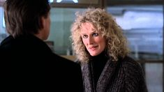Stylish and sexy, FATAL ATTRACTION took audiences to terrifying new heights with its thrilling story of a casual encounter gone terribly awry. 80s Movies, Indie Movies, Movies To Watch, I Movie, Movie Stars, Trailers, Anne Archer, Love Trailer, Trailer Peliculas