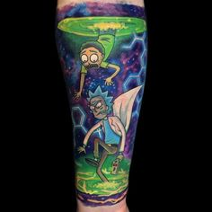 Tag a Rick & Morty junkie that NEEDS to see this piece by - GoPins! Gamer Tattoos, Cartoon Tattoos, Dope Tattoos, Badass Tattoos, Body Art Tattoos, New Tattoos, Tattoos For Guys, Space Tattoos, Circle Tattoos