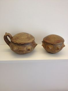 Terracotta Urns by Maurizio Dusio. Kere line