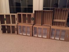 Cages for a pet shop made from Shoe boxes and paper boxes Dramatic Play Area, Dramatic Play Centers, Preschool Dramatic Play, Play Based Learning, Learning Centers, Dear Zoo, Pet Vet, Creative Curriculum, Play Centre