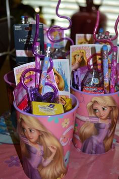 Tangle Birthday Party - Party Favors, but with big kid stuff like stickers! Disney Princess Birthday Party, 5th Birthday Party Ideas, Birthday Party Favors, Birthday Fun, Party Party, Princess Party Favors, Birthday Decorations, Ideas Party, Tangled Party
