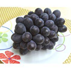 黒ぶどうの中で最高の味。栽培が難しく生産者は極わずか。ベテラン農家「大野さん」だから作れる大粒で皮ごと食べれる東京生まれの幻のぶどうです。