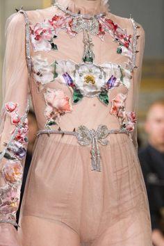 Details at Francesco Scognamiglio Spring 2017 Couture. #PFW