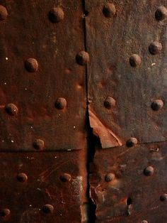 Shared by Tammy Shanks. Find images and videos about chocolate, brown and rust on We Heart It - the app to get lost in what you love. Texture Metal, Tactile Texture, Texture Art, Backgrounds Wallpapers, Rust Never Sleeps, Rust In Peace, Peeling Paint, Rusty Metal, Wabi Sabi