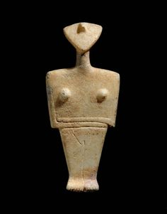 Goddess figurine, Chalandriani type  Early Aegean, Cycladic, about 2300–2000 B.C. At the Boston Museum of Fine Art.  A funerary image, found whole or in part in many graves, but more than this as it is felt that these images were used daily as ritual items as well.