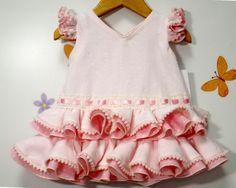 Traje de gitana flamenca para bebe realizado a mano.