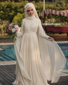 We prepare our highly demanded Fairy model in the desired colors. Muslim Wedding Dresses, Wedding Dress Chiffon, Short Bridesmaid Dresses, Bridal Dresses, Vintage Bridal Makeup, Vintage Bridal Bouquet, Wedding Makeup, Makeup Hijab, Bridal Headpieces