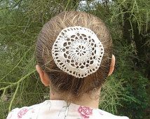 Pelo Natural de ganchillo red Bun cubierta de flores estilo Amish Menonita