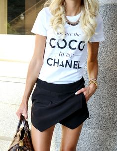 chanel tee | black envelope skort | fashion blogger