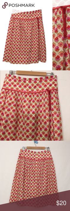 J CREW Pansy Print Bow Front Skirt 6 J CREW Pansy Print Bow Front Skirt 6   Excellent condition!   Old school J Crew   Cotton. Unlined,   Rear zip, clasp closure.  Waist 30 Hip Open  Length 26 J. Crew Skirts A-Line or Full
