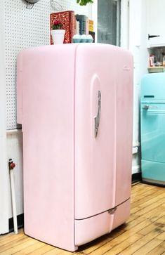 Geladeira colorida rosa com estilo retrô #geladeirascoloridas #cozinha #decoration