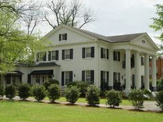 Southern Mansions, Southern Plantations, Southern Homes, Greek Revival Architecture, Southern Architecture, Classical Architecture, Historical Architecture, Plantation Homes, Southern Plantation Style