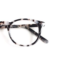 Get a closer look at Aurora in Flecked Ivory! by eyebuydirect Cute Glasses, New Glasses, Glasses Online, Glasses Frames, Fashion Eye Glasses, Four Eyes, Fashion Accessories, Women Accessories, Jewelry Accessories
