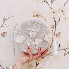 White Clutch, Wedding Purse, Wedding Bags, Gland, Luxury Purses, Diy Couture, Victorian Lace, Lace