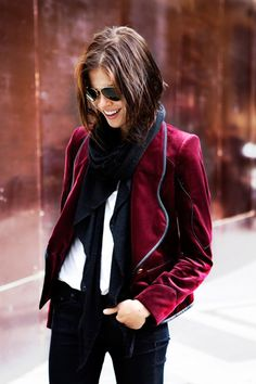How to wear dark red color