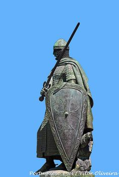 Monumento a Dom Afonso Henriques - Guimarães - Portugal by Portuguese_eyes, via Flickr