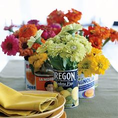 Vintage tin can centerpieces Rustic Wedding Centerpieces, Diy Centerpieces, Centrepieces, Table Decorations, Western Decorations, Outdoor Decorations, Reuse Jars, Cheap Vases, Pot A Crayon