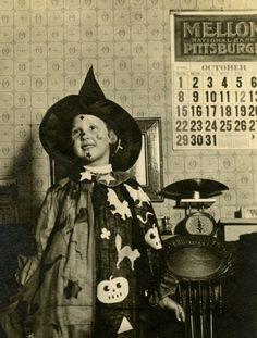 girl in halloween costume pennsylvania 1916 - Halloween Costumes 1900
