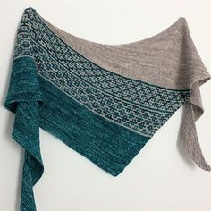 Knitting pattern shawl: Emiliana