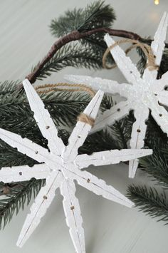 23 Ideas For Decor Diy Winter Navidad Decoration Christmas, Christmas Themes, Holiday Crafts, Holiday Decor, Simple Christmas, Christmas Holidays, Christmas Wreaths, Christmas Ornaments, Homemade Christmas