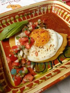 Manchego Cheese Empanada topped with sunny side up egg, pico de gallo, toasted chile de arbol salsa and avocado. What's the cure for a cloudy start to the day? A good almuerzo or brunch! Mexican Eggs, Mexican Tacos, Carne Asada, Tacos Al Carbon, Habanero Salsa, Manchego Cheese, Charro, Mexican Food Recipes, Ethnic Recipes