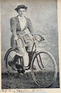 Google Image Result for http://www.oldbike.eu/emancipation/wp-content/uploads/2011/05/brighton_lady_cyclist.jpg
