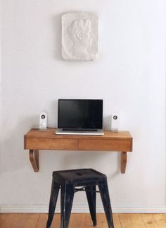 Similar to my current makeshift desks, but with the advantage of drawers and space. #DIY Retro Furniture, Diy Furniture, Primitive Furniture, Bathroom Furniture, Home Office, Pc Table, Floating Desk, Desk Shelves, Bookcase