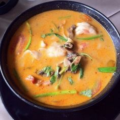 Tom Yum soup made the right way (Phom Penh in Kingston, Ontario) Highly recommend as your last meal or your next meal! Vietnamese Recipes, Asian Recipes, Vietnamese Food, My Favorite Food, Favorite Recipes, Tom Yum Soup, Good Food, Yummy Food, Tasty