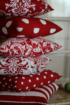 Red and White Large Polka Dot Throw Pillows Crochet Hook Set, Red Cottage, Red Rooms, Sewing Pillows, Scatter Cushions, Red Cushions, Shades Of Red, Little Red, Throw Pillow Covers