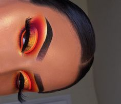 21 Stunning Makeup Looks for Green Eyes Makeup Eye Looks, Eye Makeup Art, Skin Makeup, Eyeshadow Makeup, Eyeshadow Palette, Eyeshadows, Dramatic Eye Makeup, Glam Makeup, Colourpop Palette