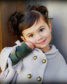 Haircut for Leila? Precious Children, Beautiful Children, Beautiful Babies, Toddler Haircuts, Little Girl Haircuts, Toddler Bangs, Cute Kids, Cute Babies, Kids Cuts