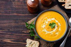 Reader's Recipe: Coconut Curry Pumpkin Soup Fall Soup Recipes, Pumpkin Recipes, Winter Recipes, Sweet Potato Leek Soup, Thai Carrot Soup, Soft Foods To Eat, Curry Coco, Sopa Detox, Detox Soup