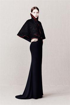 Sfilata Alexander McQueen Paris - Pre-collezioni Autunno Inverno 2013/2014 - Vogue
