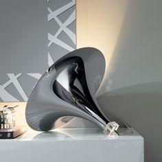 El modelo de lámpara de sobremesa vértigo.