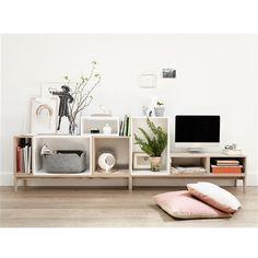 Muuto Stacked met achterwand Minimalist Design, Home Accessories, Living Room Design, Spare Bedrooms, Tv Cabinets, Nordic Design, Shelves, Design Home, Muuto Stacked