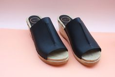 No.6 Front Seam Clog, Black