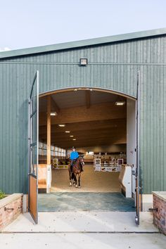 Indoor Riding Arena Envy: Gornall Equestrian - STABLE STYLE Dream Stables, Dream Barn, Equestrian Stables, Horse Barn Designs, Horse Arena, Indoor Arena, Horse Stalls, Barn Stalls, Barn Plans