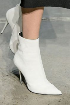 12 shoe trends to take away from the Fall 2017 runways: White Out